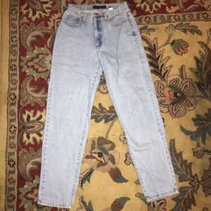 Vintage Style High Waisted Light Wash Jeans
